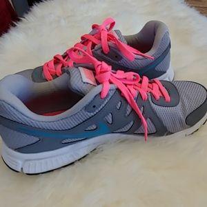 Nike Revolution 2 Women's Sneakers